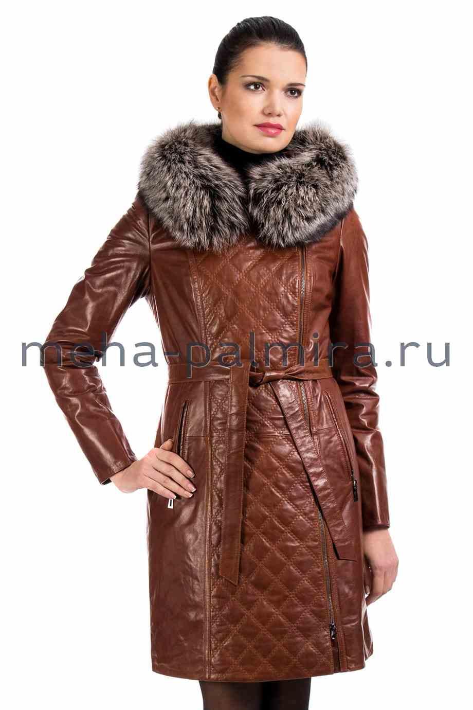 Кожаный плащ на молнии с капюшоном, отделка - мех, коричневый