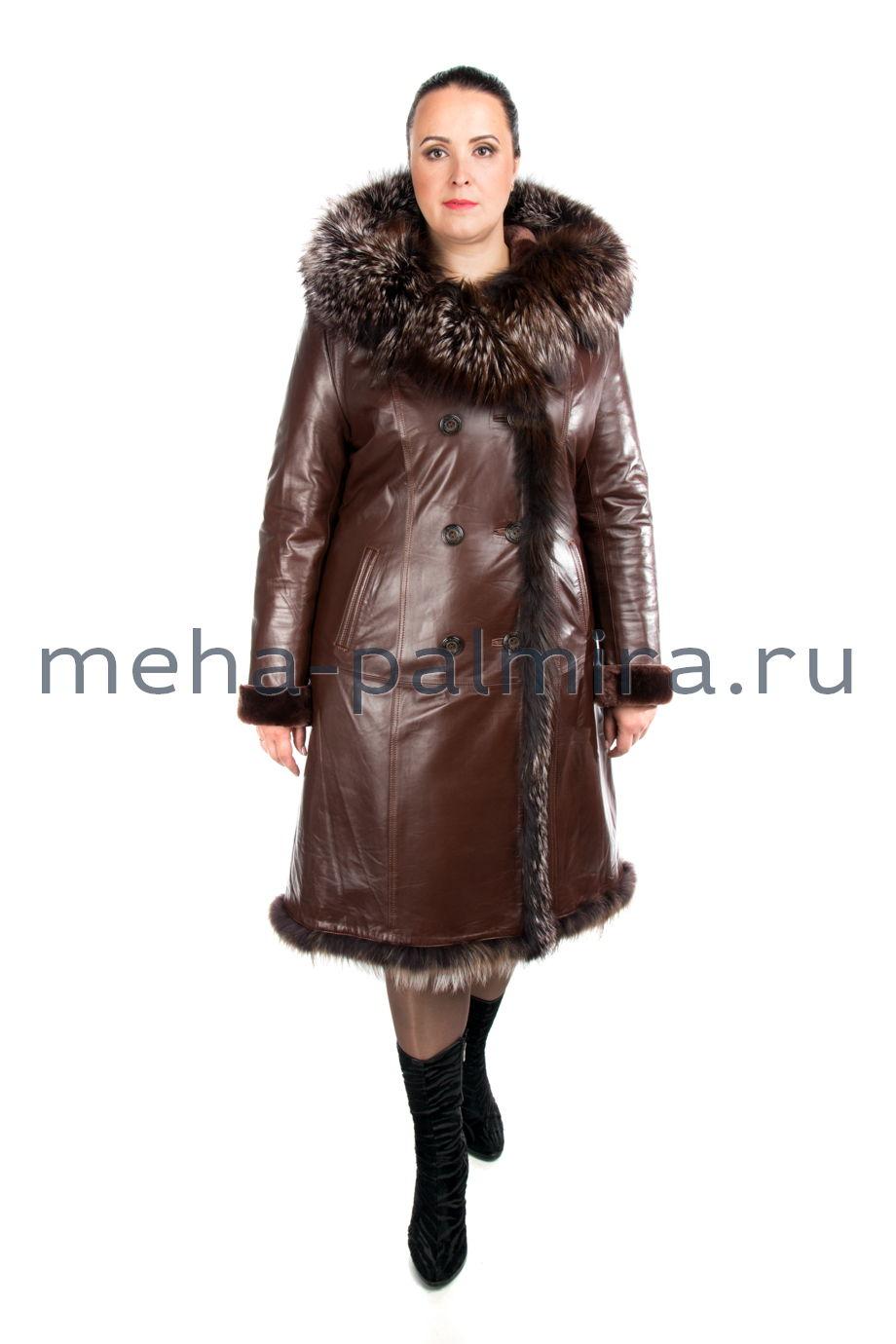 Женская дубленка коричневого цвета на овчине с капюшоном