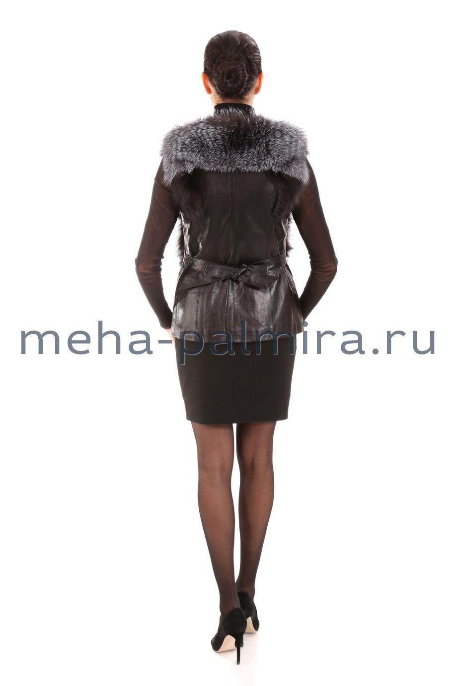 Короткий жилет из кожи и меха лисы-чернобурки на молнии