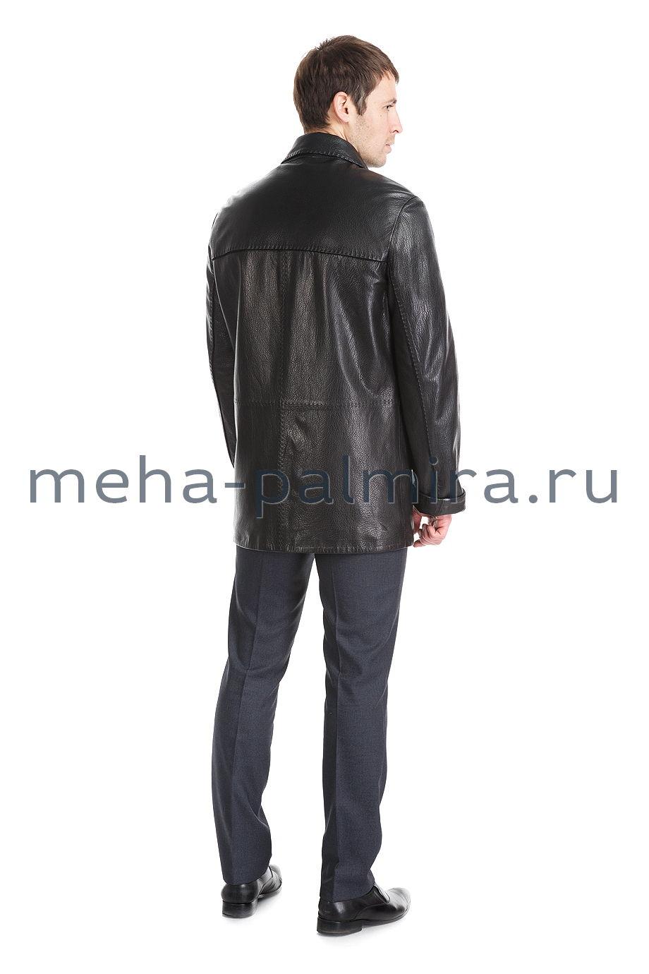 Мужская удлиненная кожаная куртка на пуговицах черного цвета