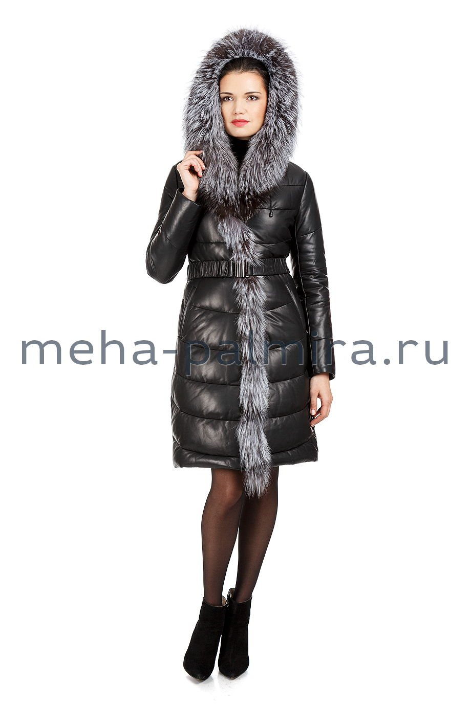 Удлинённый кожаный пуховик с мехом чернобурки
