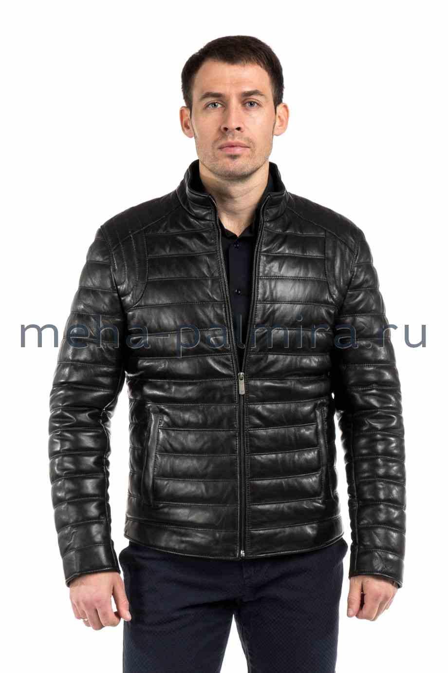 Утепленная кожаная куртка для весны черного цвета