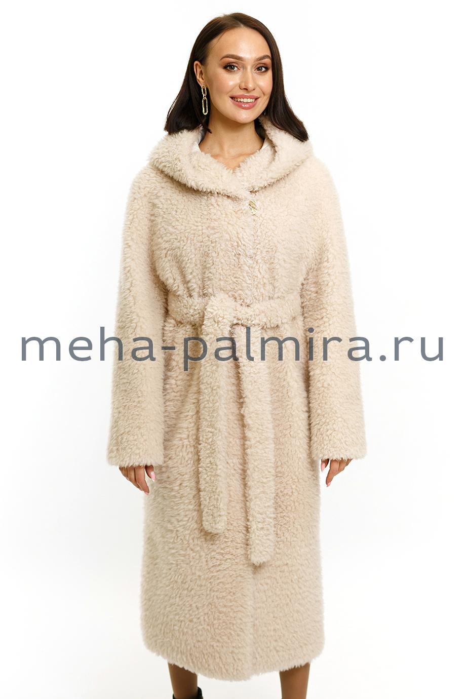 Длинное пальто из шерсти с капюшоном и поясом в бежевом цвете