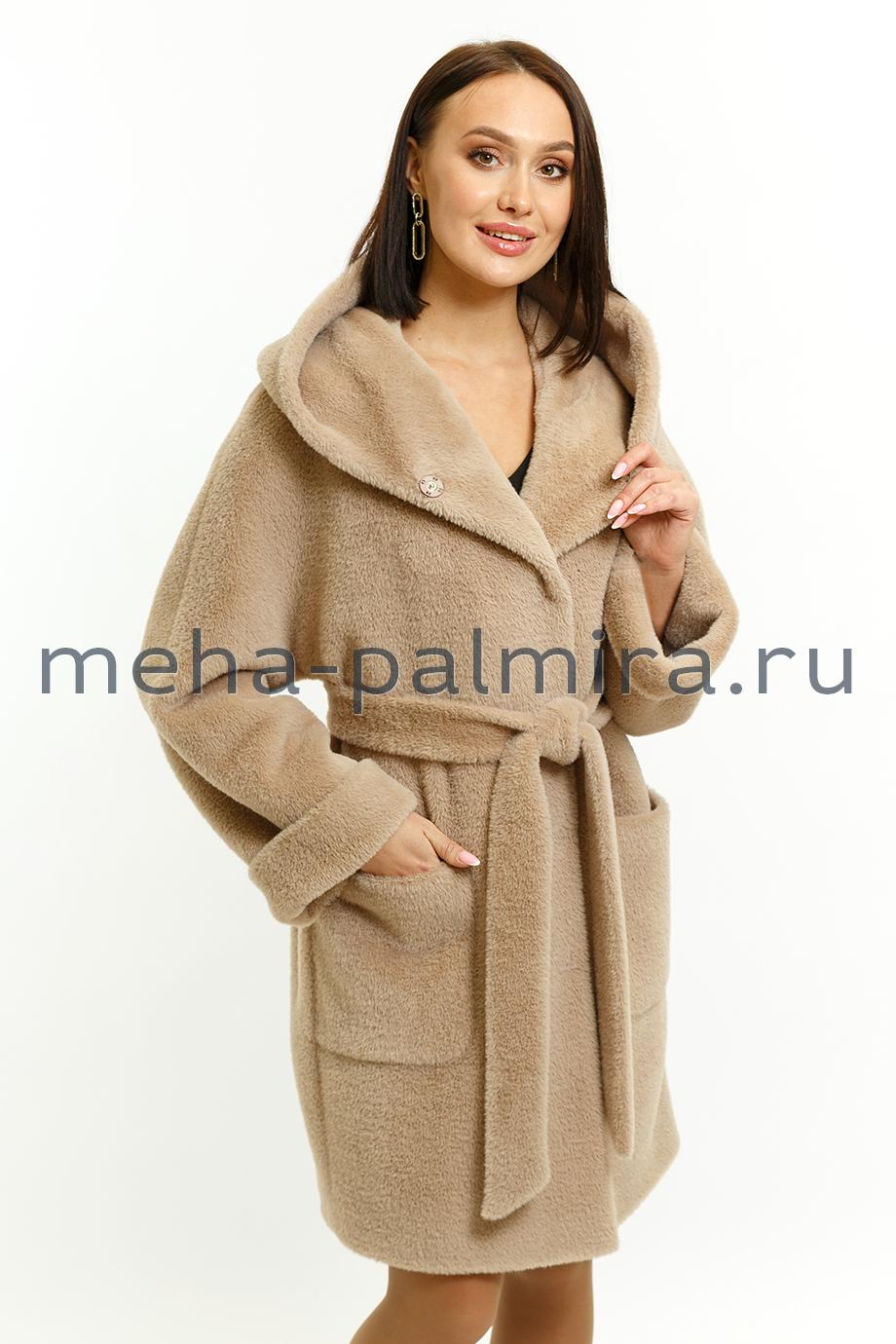 Укорочённое женское пальто с капюшоном ворсовое из шерсти