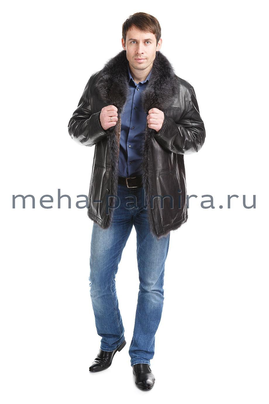 Мужская удлиненная дубленка с воротником из меха енота