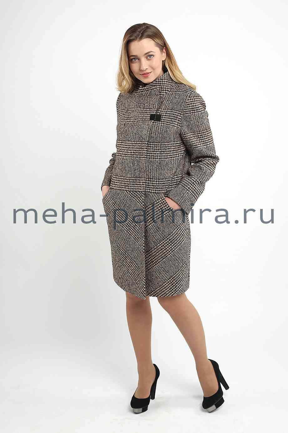 Пальто женское с воротником стойкой