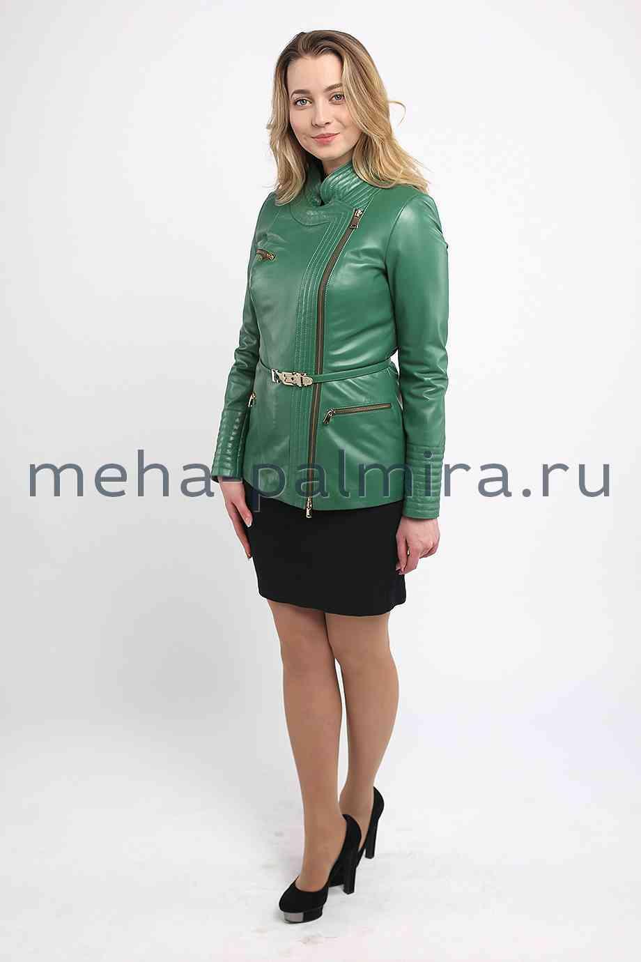 Удлиненная женская куртка из кожи зеленого цвета