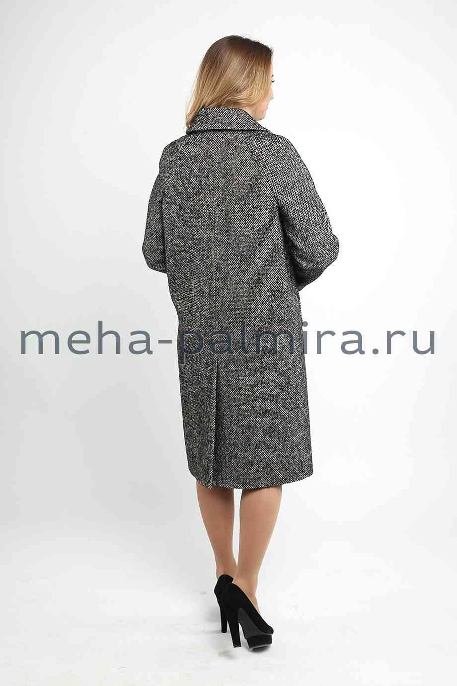 Демисезонное пальто с поясом