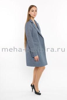 Пальто на кнопках синего цвета