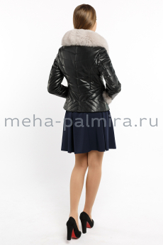 Кожаная куртка с меховой отделкой