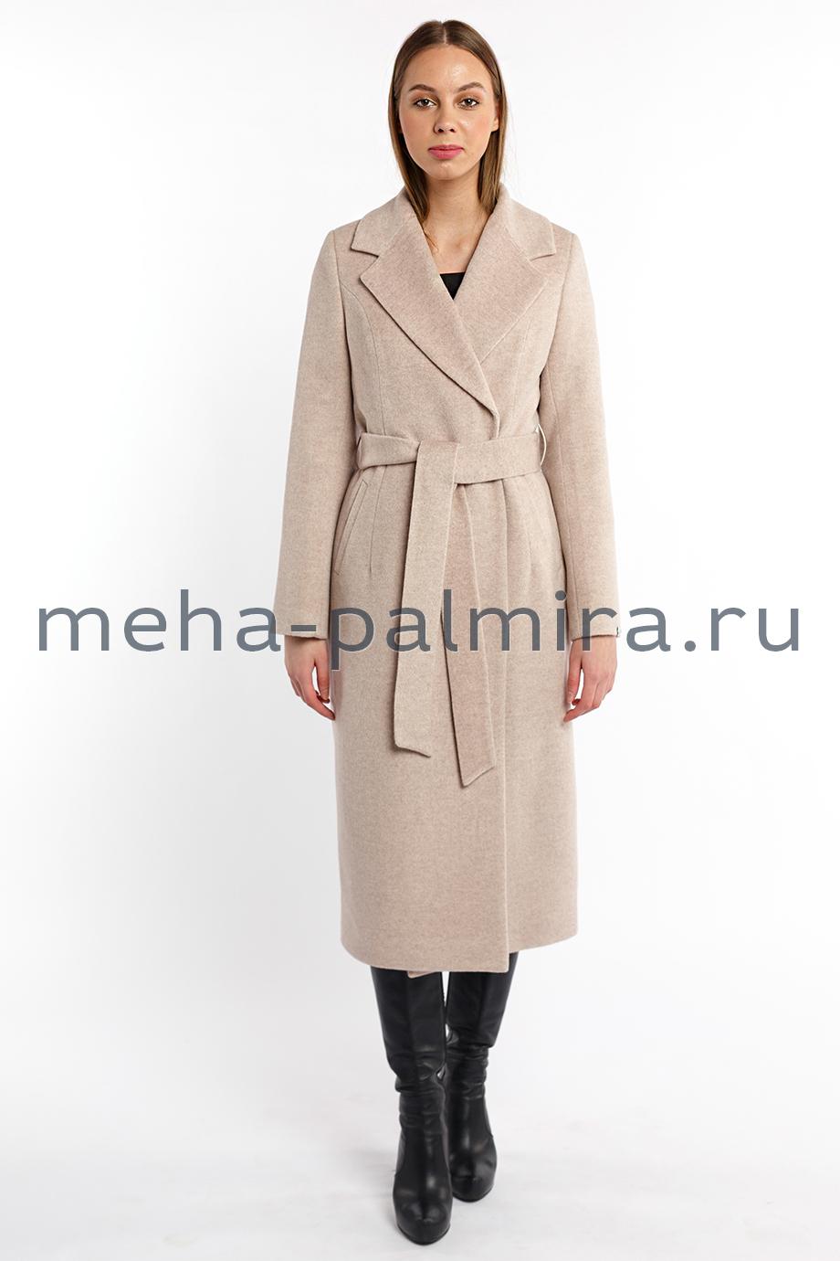 Женское приталенное пальто в цвете жемчуг